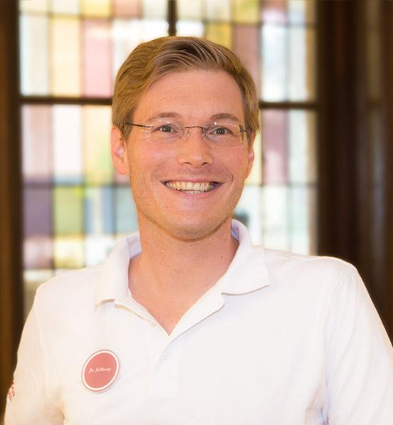 Dr. Harras Holtkamp
